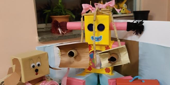 Papírový robot ZŠ Jarošova