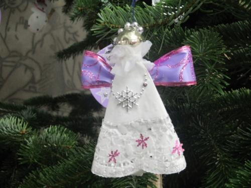 Nejkrásnější vánoční ozdoba f03