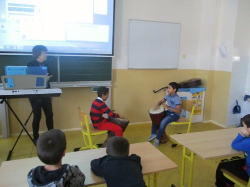 Pěvecká a hudební vystoupení ve ŠD_f01
