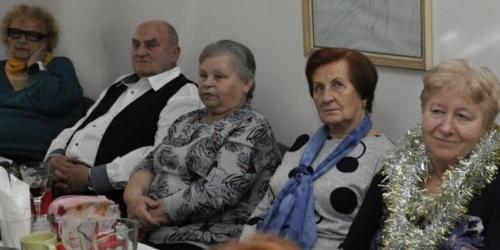 Vystoupení pěveckého kroužku v Klubu seniorů na ulici Střední v Havířově f02