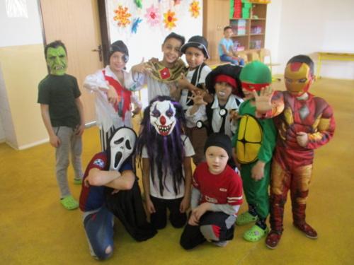 karneval-ve-skolni-druzine f02